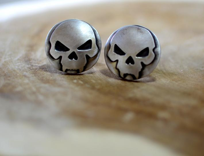 Skull cuff links in sterling silver