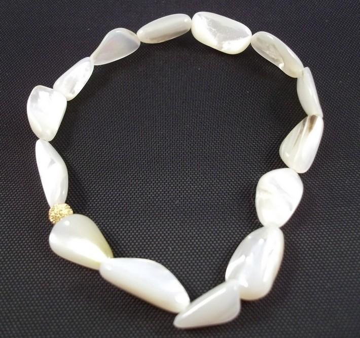 Mother of Pearl Creamy Small Nugget Gemstone Stretch Bracelet BE1915