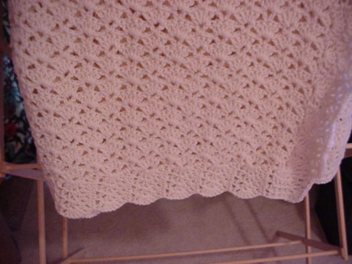 Crocheted Aran Shell Lap Afghan LA0134B