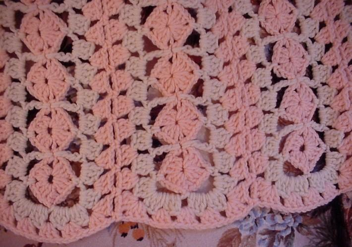 Crocheted Peach and Aran Shell Afghan AF1226A