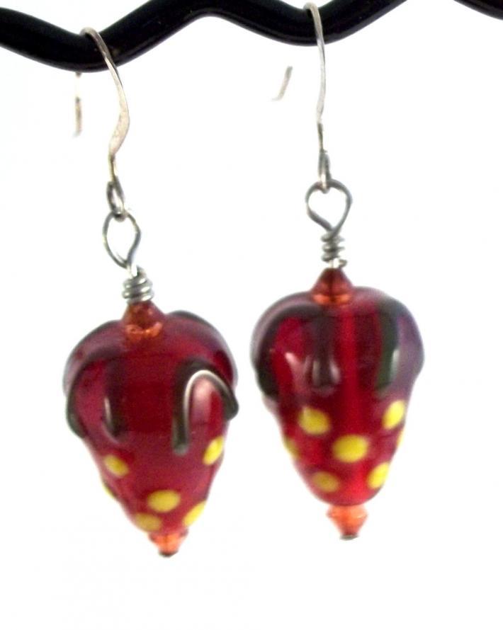 Lampwork Strawberry Bead Earrings BE1723