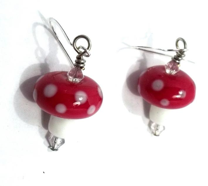 Lampwork Red and White Mushroom Bead Earrings BE1317