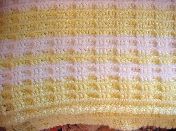Crocheted Yellow and White Waffle Stitch Baby Blanket BB0407A on Handmade Art...